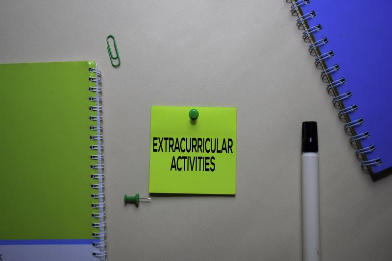 How to Manage Extracurricular Activities and Still Perform Well in School